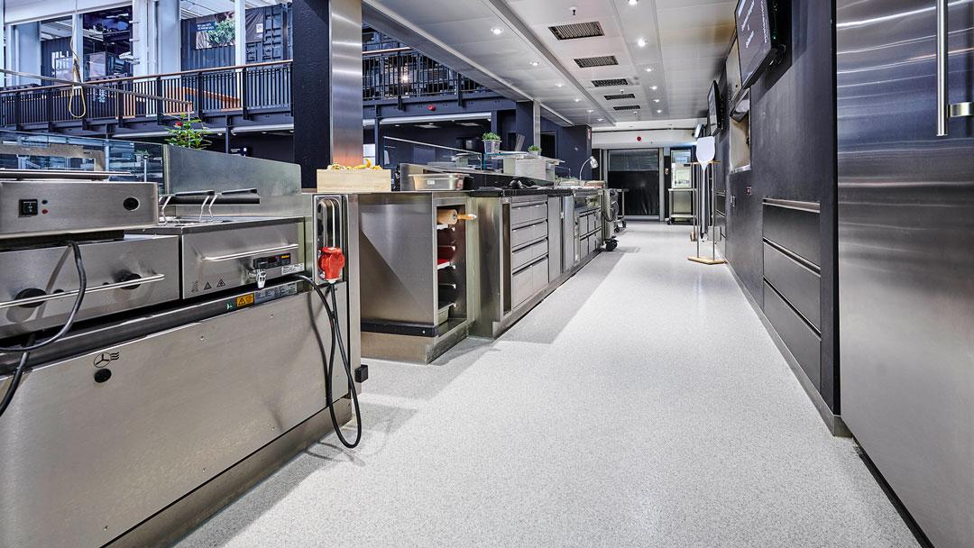 Gastronomie / Küchen // Böden f. Restaurant-Küchen // P&K Flooringgroup