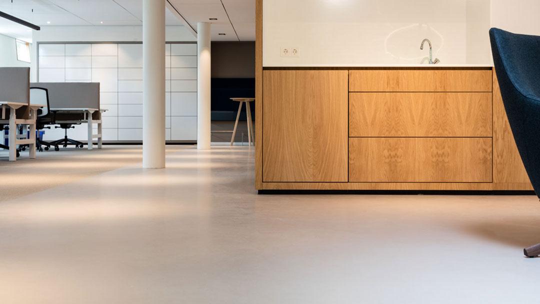 Fußbodenbelag Flüssig ~ Liquid linoleum der flüssige linoleum boden p&k flooringgroup